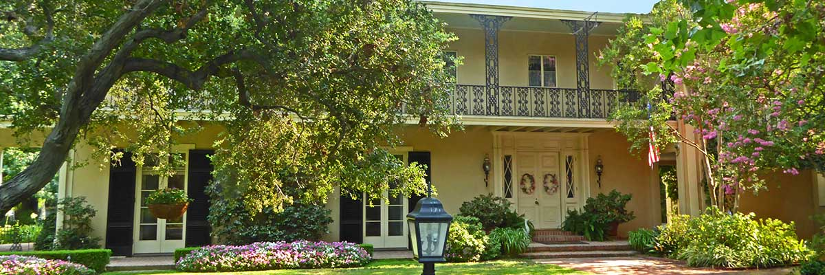 beautiful New Orleans Colonial home image